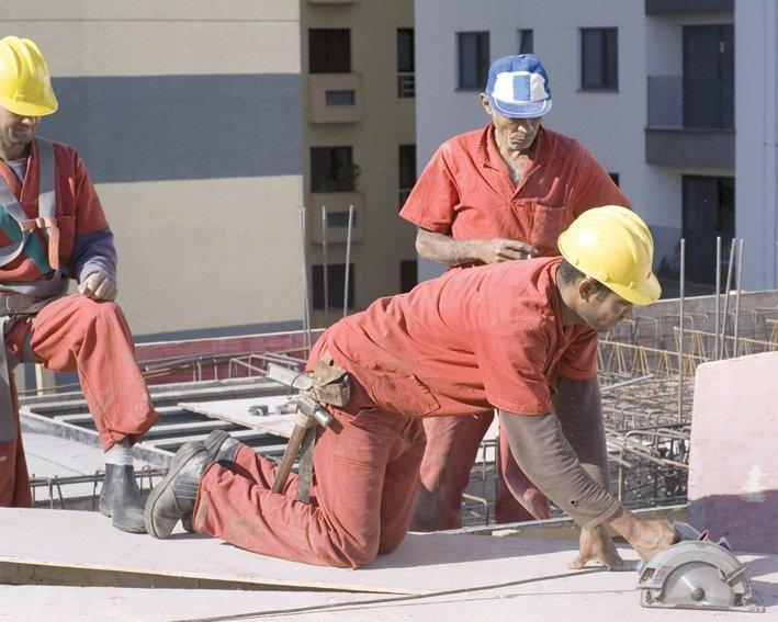 munca - muncitori