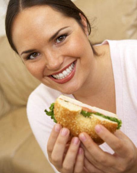 Slabeste cu un mic dejun sarac in calorii