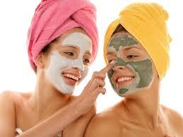4 Remedii de ingrijire a feței preparate acasă din ingrediente naturale