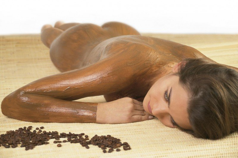 Cum ne ajută zațul de cafea în lupta impotriva celulitei?