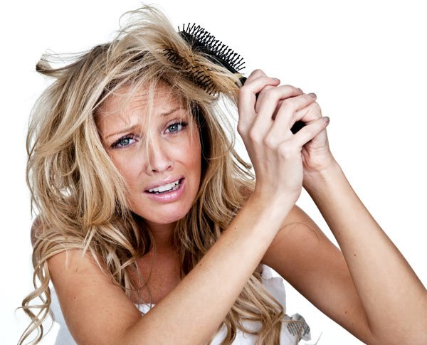 Dișciplinează părul cret cu ajutorul sucului de aloe vera
