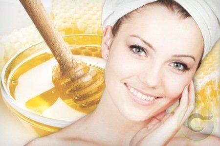 Cum folosim mierea pentru a scăpa de coșuri