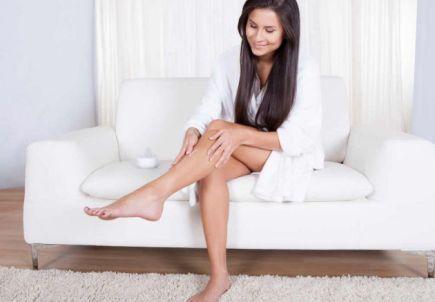 De ce au unele femei mai mult păr pe corp decat altele?