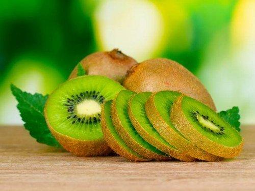 Kiwi beneficii pentru par