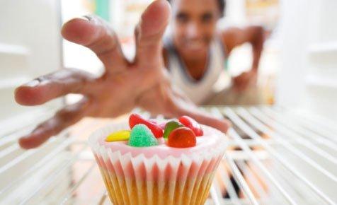 5 cauze surprinzătoare ale poftelor alimentare