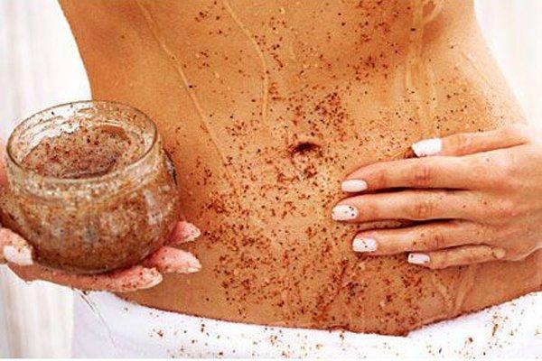 5 moduri îm care iți poți exfolia pielea fără a folosi produse scumpe