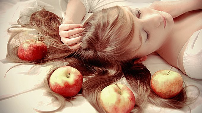 Iată 7 alimente pe care trebuie să le consumi daca vrei un somn bun