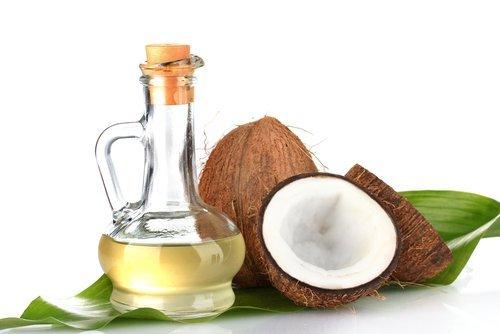 Studiu: Uleiul de nucă de cocos – remediu pentru piele uscată