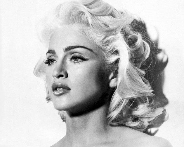 10 vedete de la Hollywood care o copiază pe Marilyn Monroe