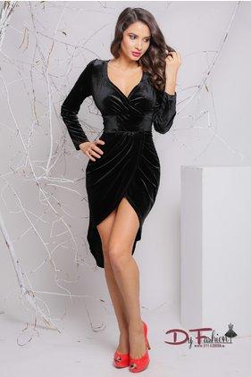 Modele de rochii negre cu maneca lunga