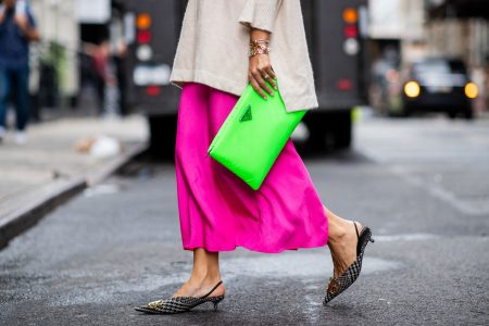 O garderoba plina de culoare – combinatii creative si cu gust