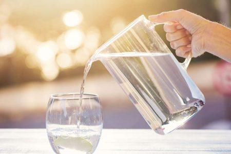 De ce e important sa consumi cantitatea potrivita de apa zilnic