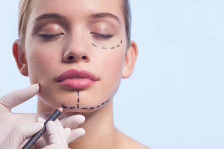 Ce trebuie sa cunosti inainte sa-ti faci operatii estetice